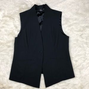 The Fisher Project V-neck fitted Vest